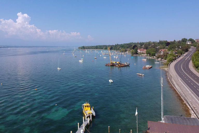 Vue du bord du lac de Genève